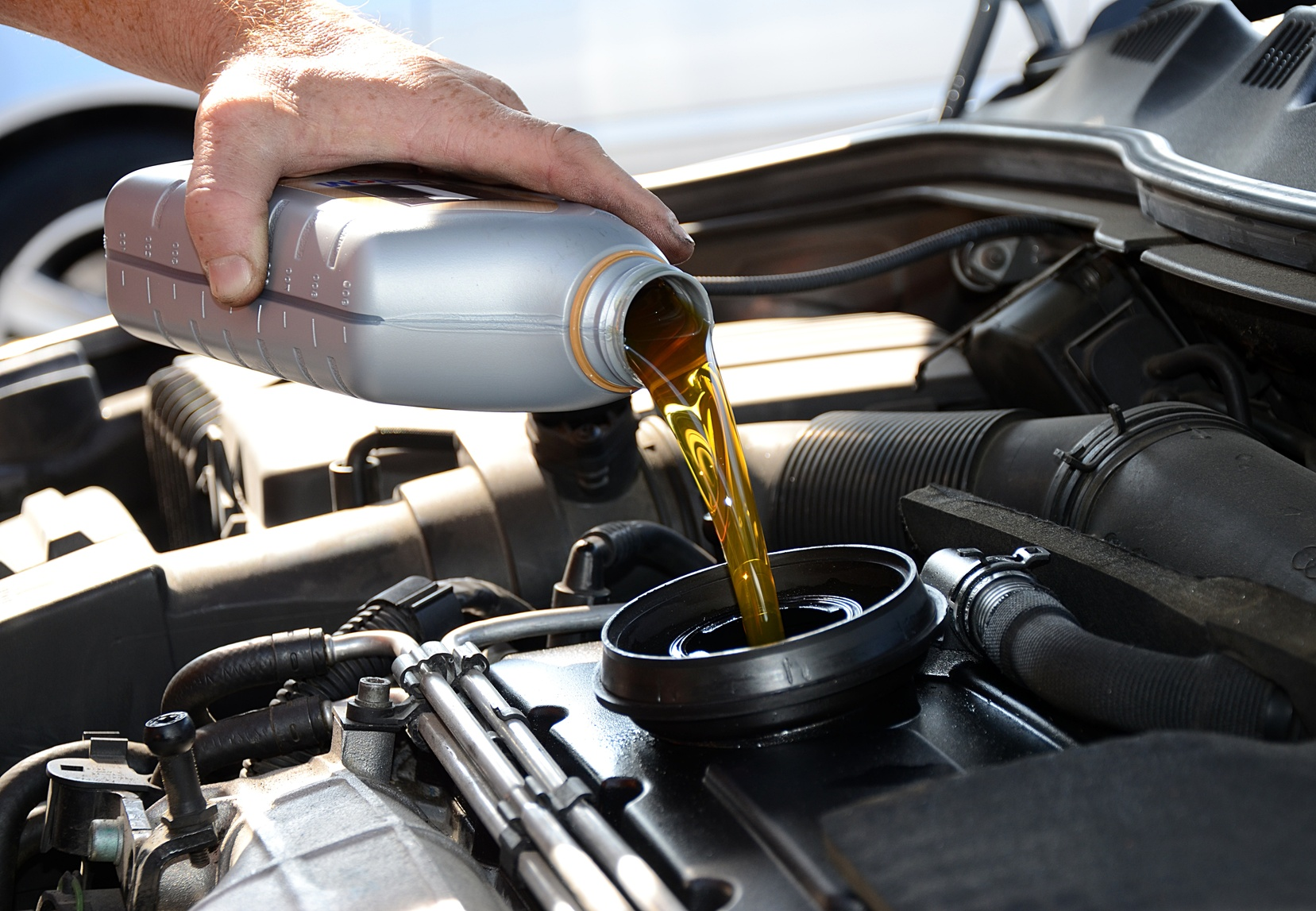 how to do an oil change Get quick and simple do-it-yourself instructions on how to change your oil on edmundscom and save money on your car maintenance costs.