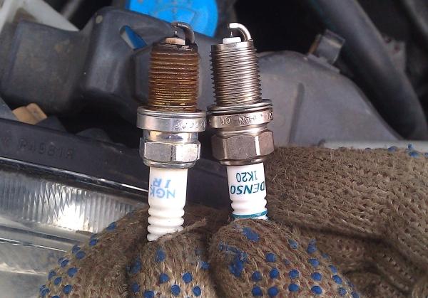 слева - старая свеча, справа - новая
