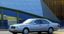 Mercedes-Benz E (W210)