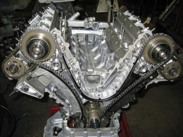 Цепь грм в двигателе V8 от BMW