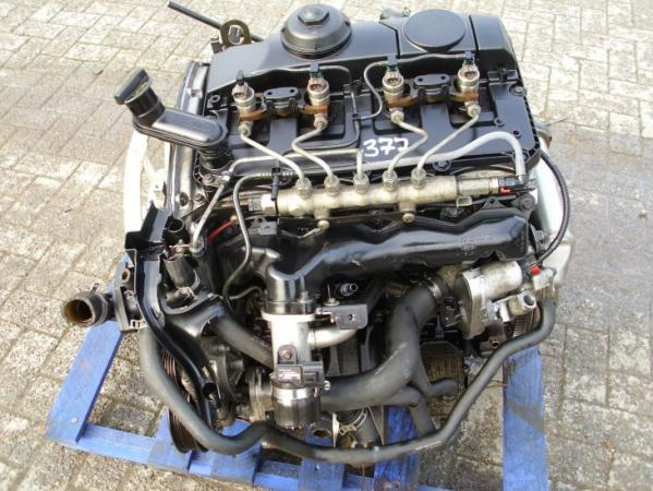 Мотор следует осмотреть со всех сторон, либо запросить у продавца все фотографии.