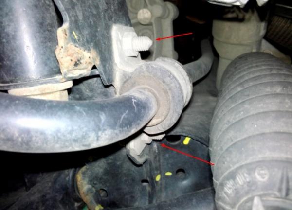 Замена втулок стабилизатора на примере Volkswagen Polo sedan