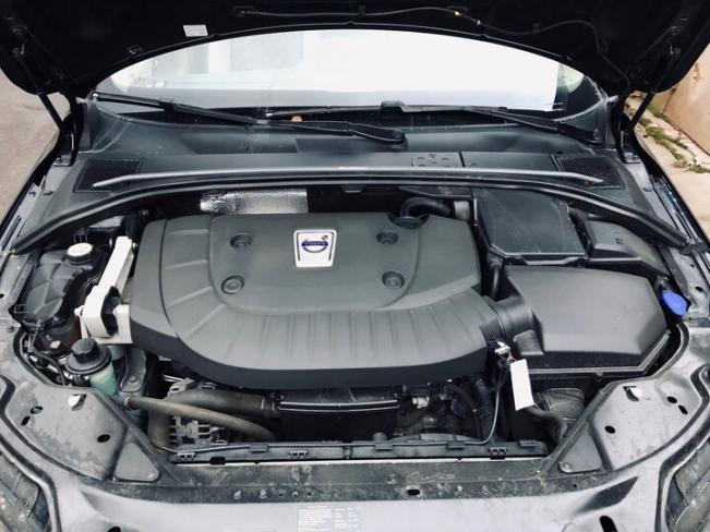 Volvo XC70 - пять плюсов и пять минусов