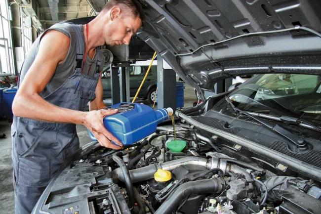 ТОП-5 ошибок при замене масла в двигателе