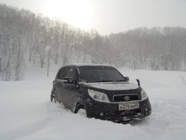 Toyota Rush – мини Land Cruiser Prado?