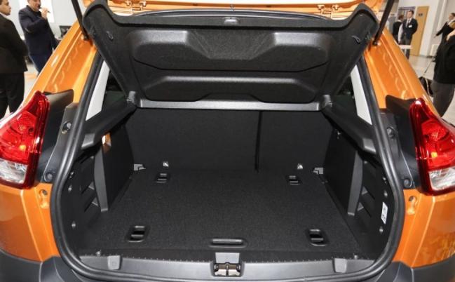 Объем багажного отделения составляет 361 литр.