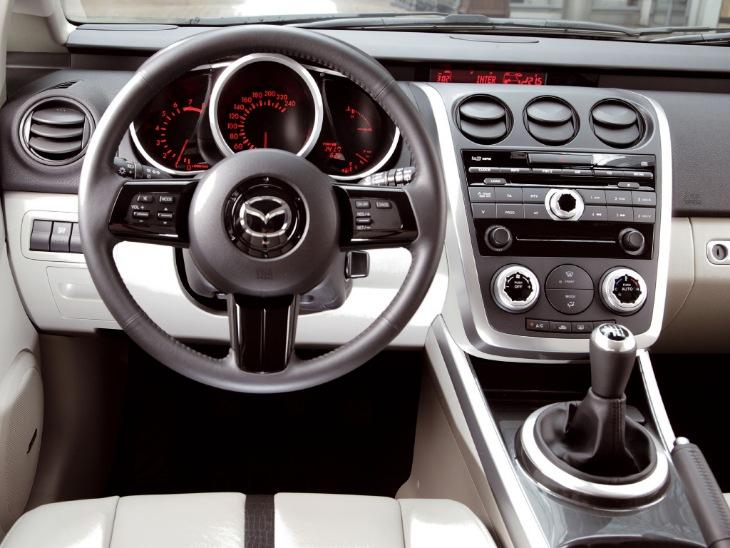 Интерьер Mazda CX-7 2006-2009