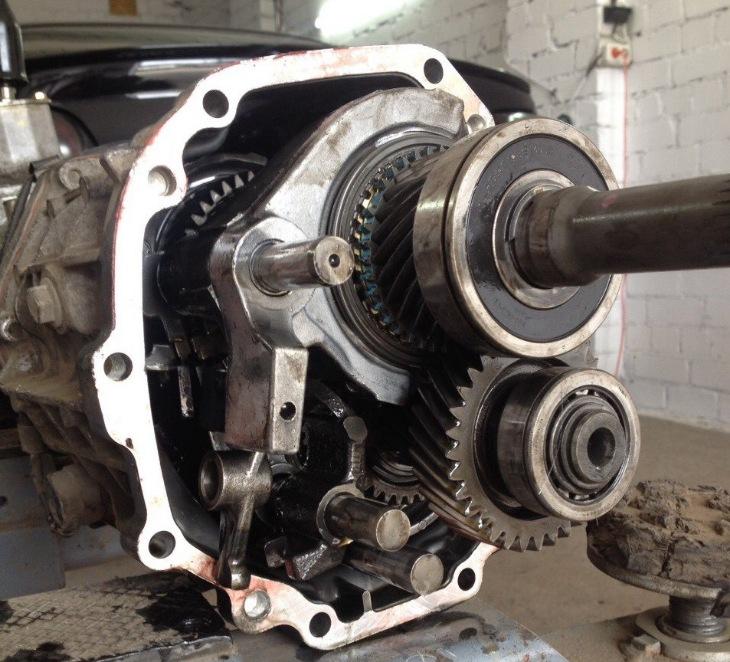 Механическая коробка передач Mazda RX-8