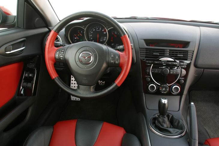 Интерьер Mazda RX-8