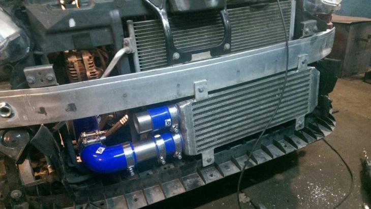 Интеркулер на Пежо 208 GTi