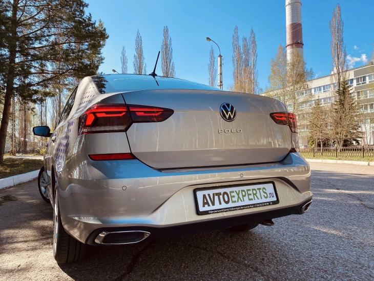 Volkswagen Polo лифтбек, вид сзади