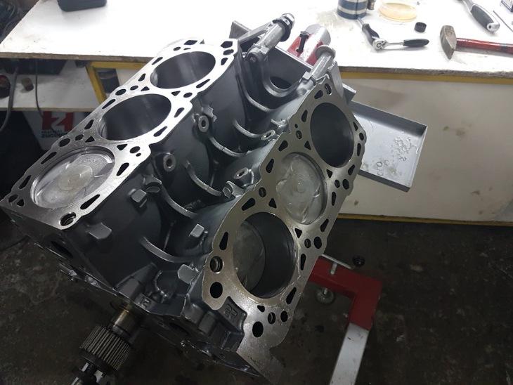 Чугунный блок двигателя V6 3.8 6G75 Mitsubishi