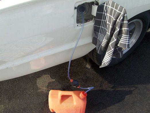 как слить бензин с фиат-альбеа