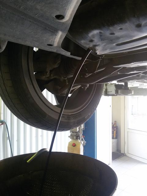 Тойота пробокс масло в двигатель