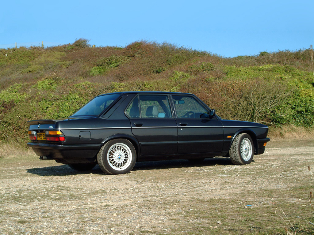 BMW M5 UK-spec (E28) \'03.1986 года